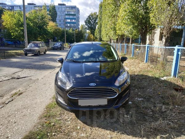 Ford Fiesta, 2015 год, 530 000 руб.