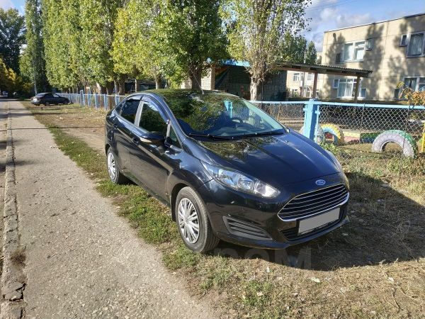 Ford Fiesta, 2015 год, 565 000 руб.
