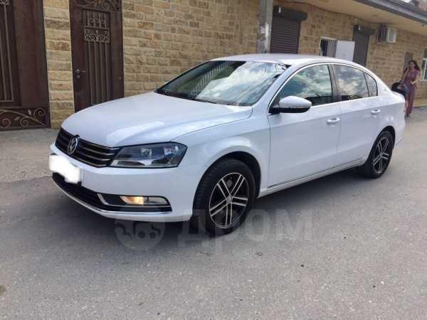 Volkswagen Passat, 2011 год, 589 000 руб.