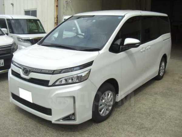 Toyota Voxy, 2017 год, 1 460 000 руб.