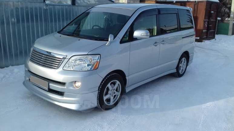 Toyota Noah, 2006 год, 620 000 руб.