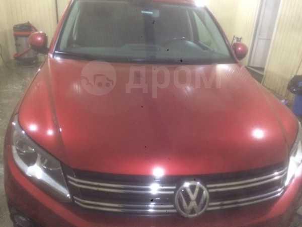 Volkswagen Tiguan, 2011 год, 720 000 руб.