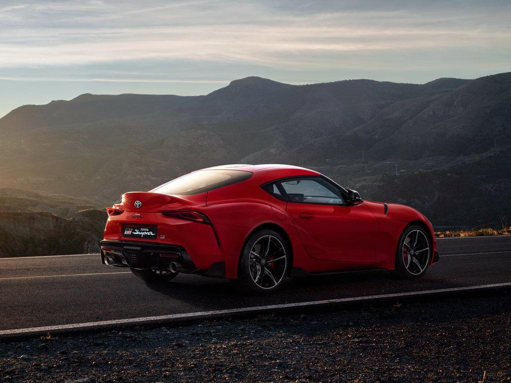 Смотреть Toyota Supra 2019 года. Технические характеристики, цена, фото, тест драйв, старт продаж, последние новости видео