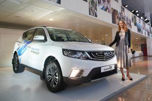 В России начались продажи обновленного Geely Emgrand X7: от 989 900 рублей
