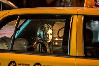 stoyat-s-prostitutkami-na-svoem-avto