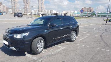 Mitsubishi Outlander,