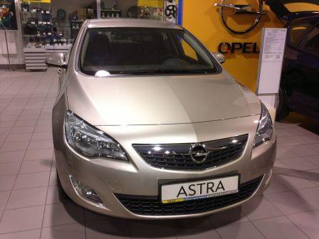 Opel Astra  - отзыв владельца