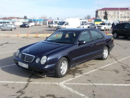 Mercedes-Benz E-Class 2001 - отзыв владельца