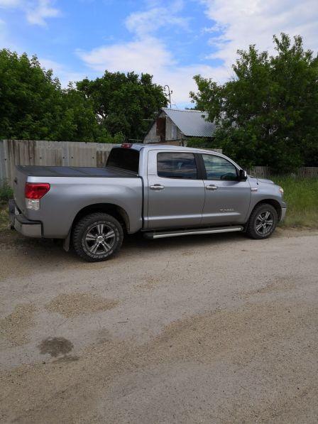 Toyota Tundra  - отзыв владельца