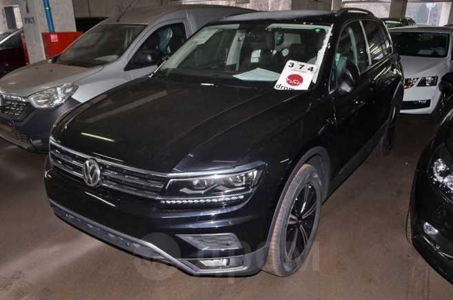 Volkswagen Tiguan, 2019 год, 1 952 900 руб.