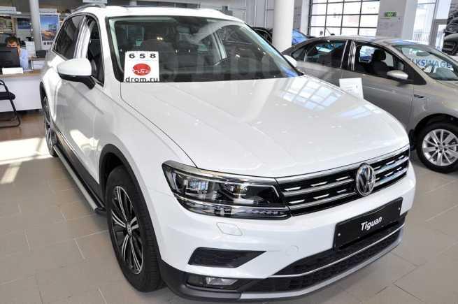 Volkswagen Tiguan, 2018 год, 2 474 300 руб.