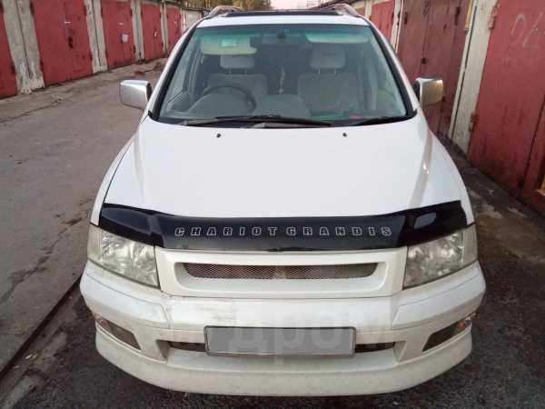 Mitsubishi Chariot Grandis, 2002 год, 310 000 руб.