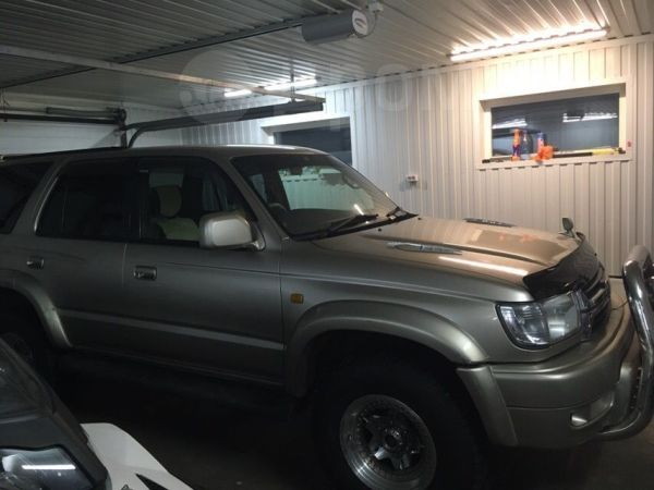 Toyota Hilux Surf, 2002 год, 680 000 руб.