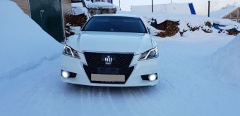 Алдан Toyota Crown 2013