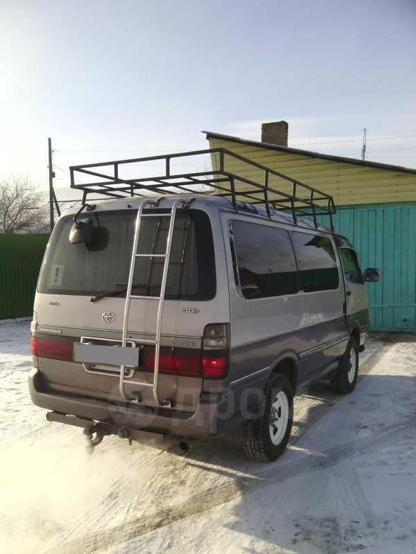 Toyota Hiace, 2001 год, 300 000 руб.