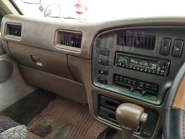Nissan Caravan, 1994 год, 200 000 руб.