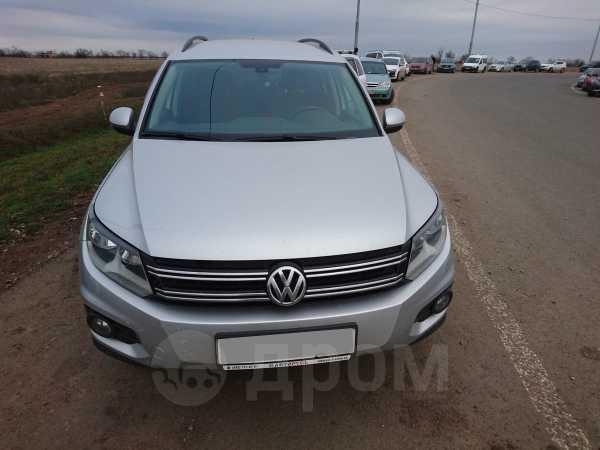 Volkswagen Tiguan, 2013 год, 990 000 руб.