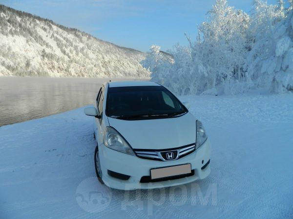 Honda Fit Shuttle, 2012 год, 481 000 руб.