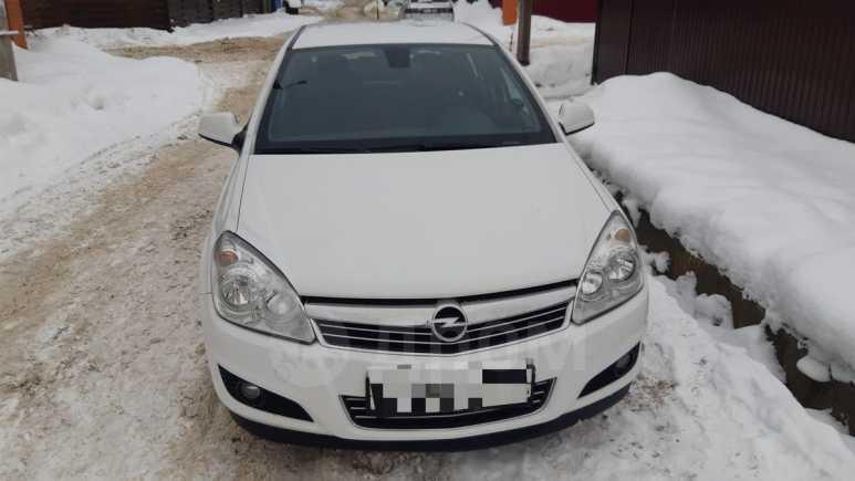 Opel Astra Family, 2011 год, 415 000 руб.