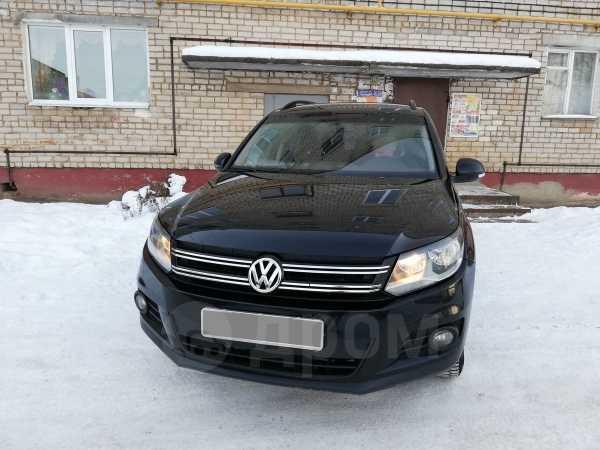 Volkswagen Tiguan, 2011 год, 530 000 руб.