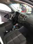 Volkswagen Tiguan, 2010 год, 629 000 руб.
