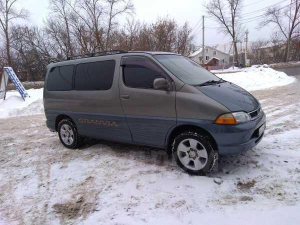 Toyota Granvia, 1998 год, 570 000 руб.