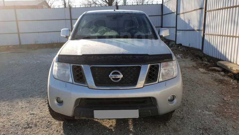 Nissan Navara, 2011 год, 770 000 руб.