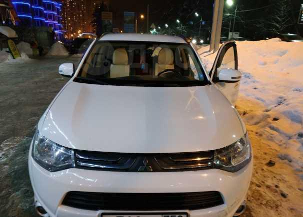 Mitsubishi Outlander, 2014 год, 1 010 000 руб.