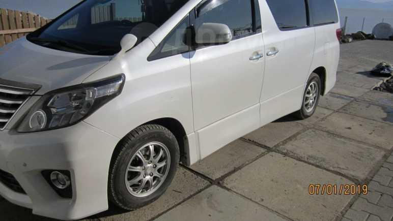 Toyota Alphard, 2012 год, 1 350 000 руб.