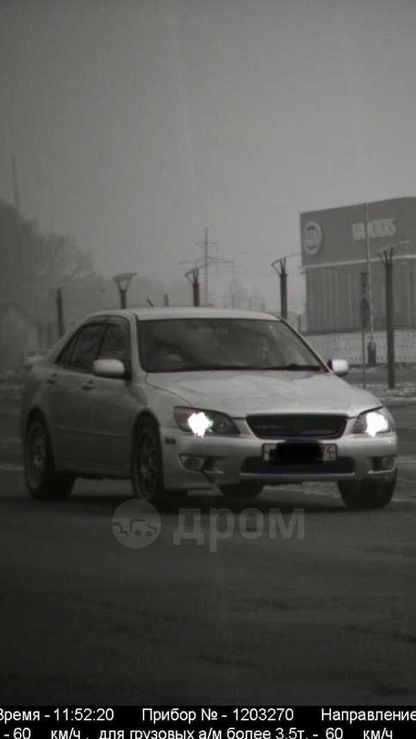 Toyota Altezza, 2000 год, 220 000 руб.
