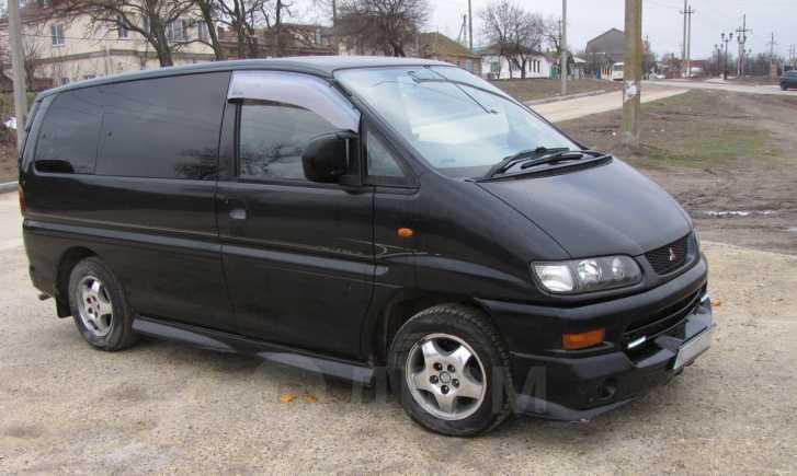 Mitsubishi Delica, 2001 год, 500 000 руб.