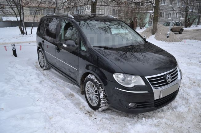 Volkswagen Touran, 2006 год, 435 000 руб.