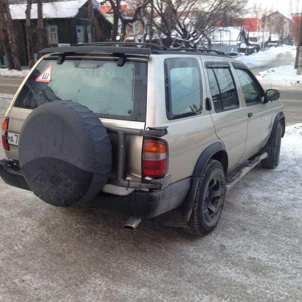 Nissan Pathfinder, 1998 год, 420 000 руб.