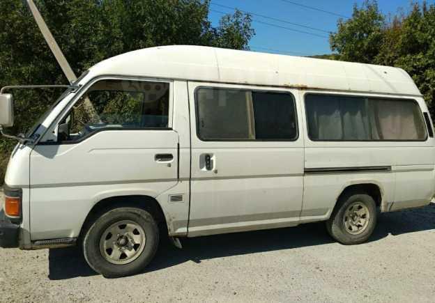 Nissan Caravan, 1988 год, 185 000 руб.
