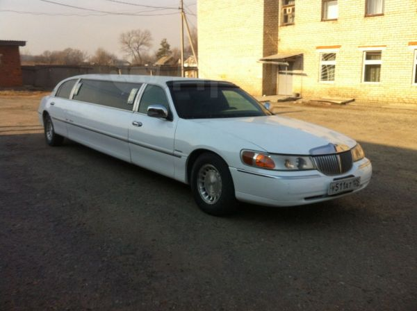 Lincoln Town Car, 1999 год, 400 000 руб.