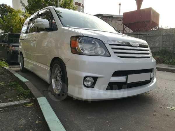 Toyota Noah, 2002 год, 550 000 руб.