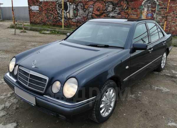 Mercedes-Benz E-Class, 1995 год, 195 000 руб.