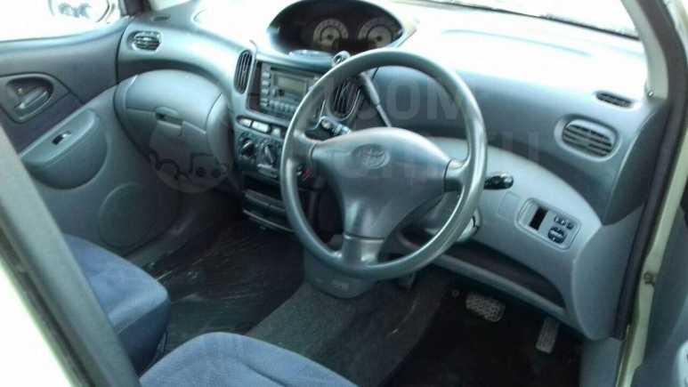 Toyota Funcargo, 2001 год, 297 000 руб.