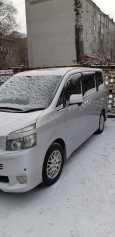 Toyota Voxy, 2007 год, 780 000 руб.