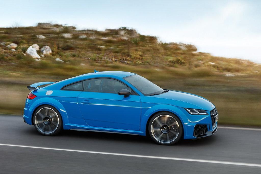 Audi TT RS рестайлинг 2019, 2020, 2021, купе, 3 поколение, 8S технические  характеристики и комплектации