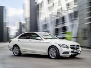 Mercedes-Benz отзывает с российских дорог 7011 автомобилей