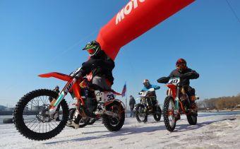В соревнованиях приняли участие более 30 спортсменов из Владивостока, Уссурийска, Хабаровска, Находки, Большого Камня, Славянки.