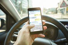 Штрафовать хотят за любое использование мобильных устройств, а не только за разговор