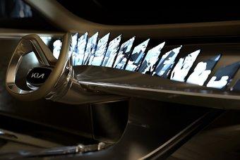 21 дисплей в автомобиле — это не шутки