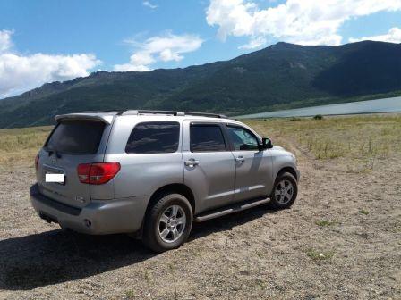 Toyota Sequoia 2008 - отзыв владельца