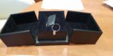 Вот в такой красивой коробочке выдают ключи. жаль коробку не отдают, я спрашивал)))