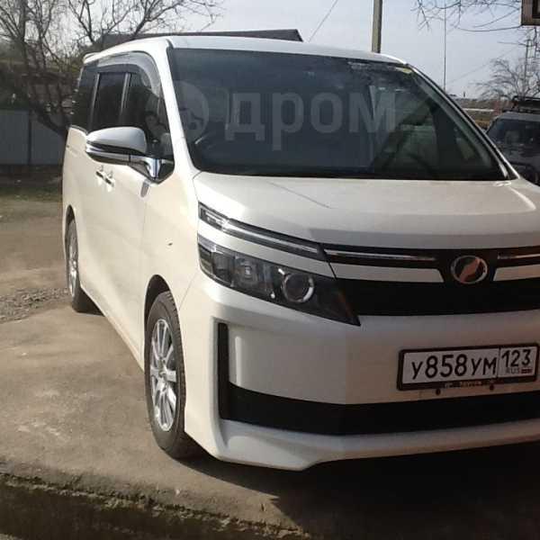 Toyota Voxy, 2015 год, 1 295 000 руб.