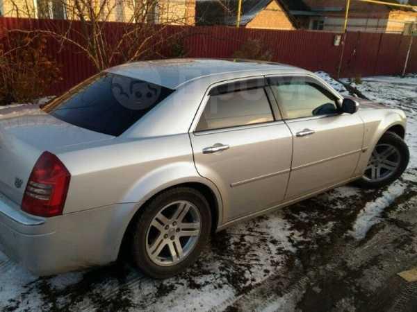 Chrysler 300C, 2004 год, 997 000 руб.