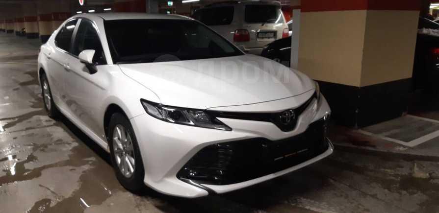 Toyota Camry, 2018 год, 1 599 000 руб.