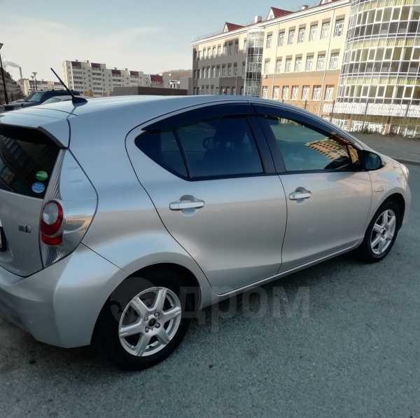 Toyota Aqua, 2012 год, 575 000 руб.